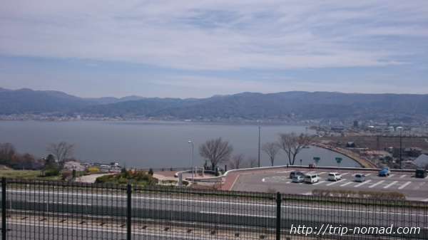 「諏訪湖SA(サービスエリア)」から見た諏訪湖
