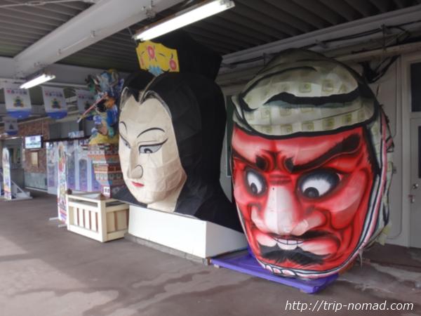 青森県『津軽五所川原駅』ホームに飾ってあったねぷたのオブジェ