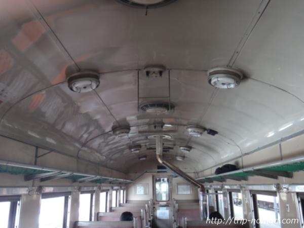 青森県『ストーブ列車』車内蛍光灯