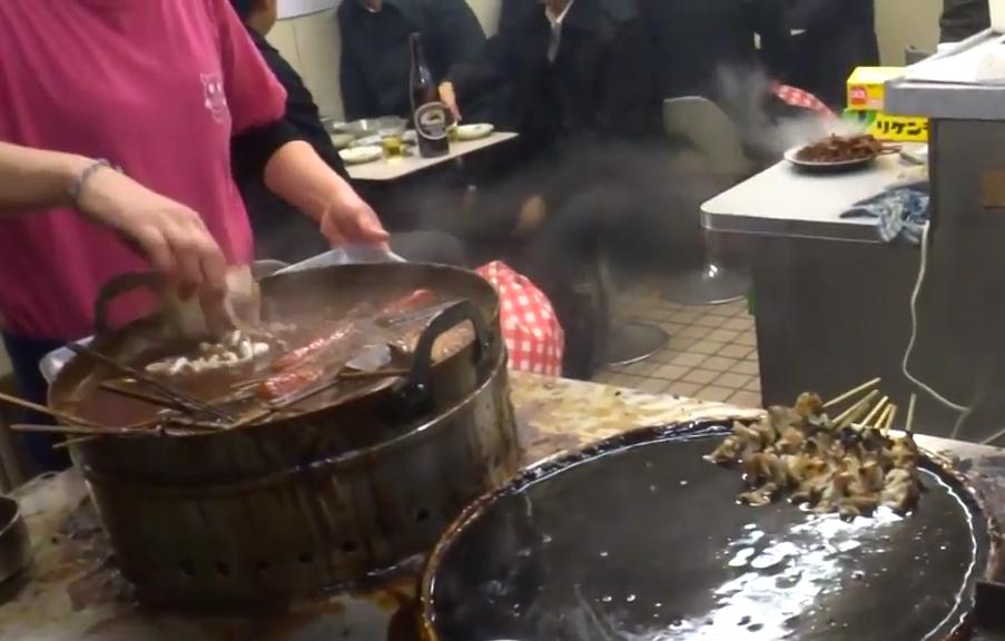名古屋味噌串カツ・どて煮『八幡屋』どて煮の鍋