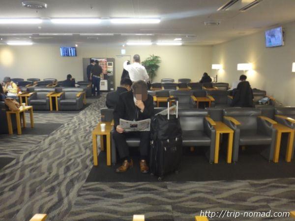 羽田空港「エアポートラウンジ(南)」ラウンジ内