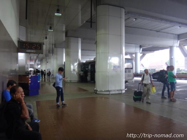 『ドンムアン空港』から市内へのアクセス>空港バス乗り場