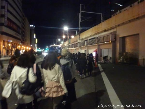 名古屋駅前『ゆりの噴水』からバス乗り場へ移動