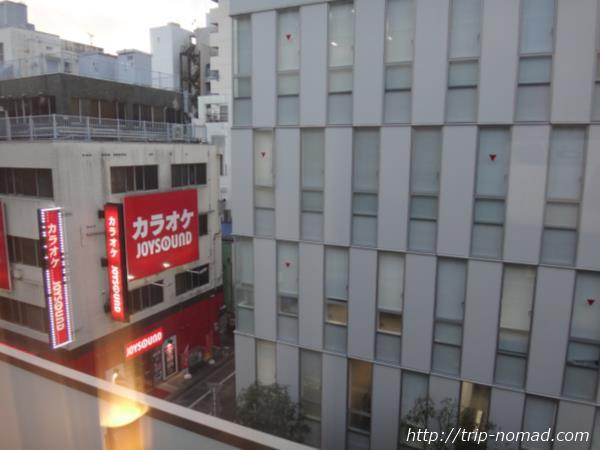 『ホテルガーデンスクエア静岡』室内窓からの景色