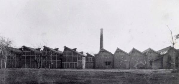 昔の桐生ののこぎり屋根工場