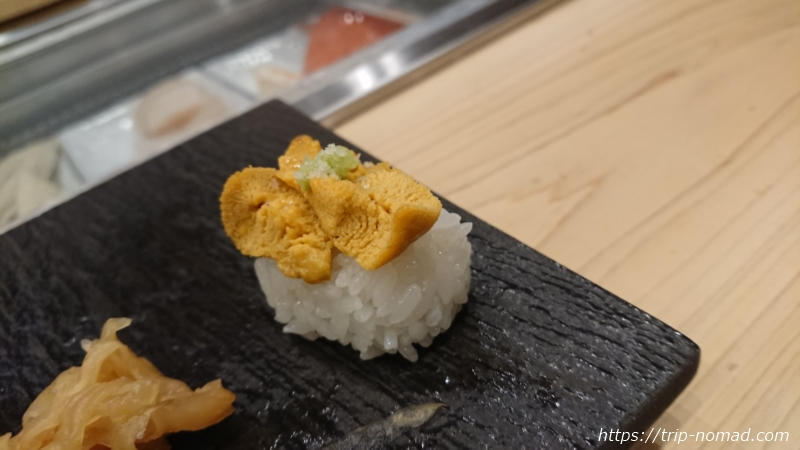 淡路島の寿司屋『鮨夢(すしゆめ)』由良産赤ウニ握り