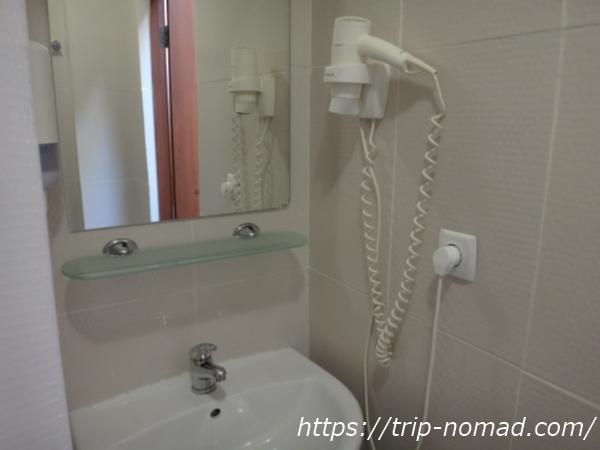 『マトリョーシカ ホテル』洗面所