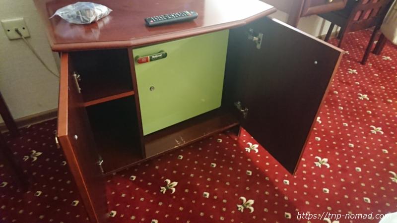 ウラジオストク『ベルサイユホテル』冷蔵庫
