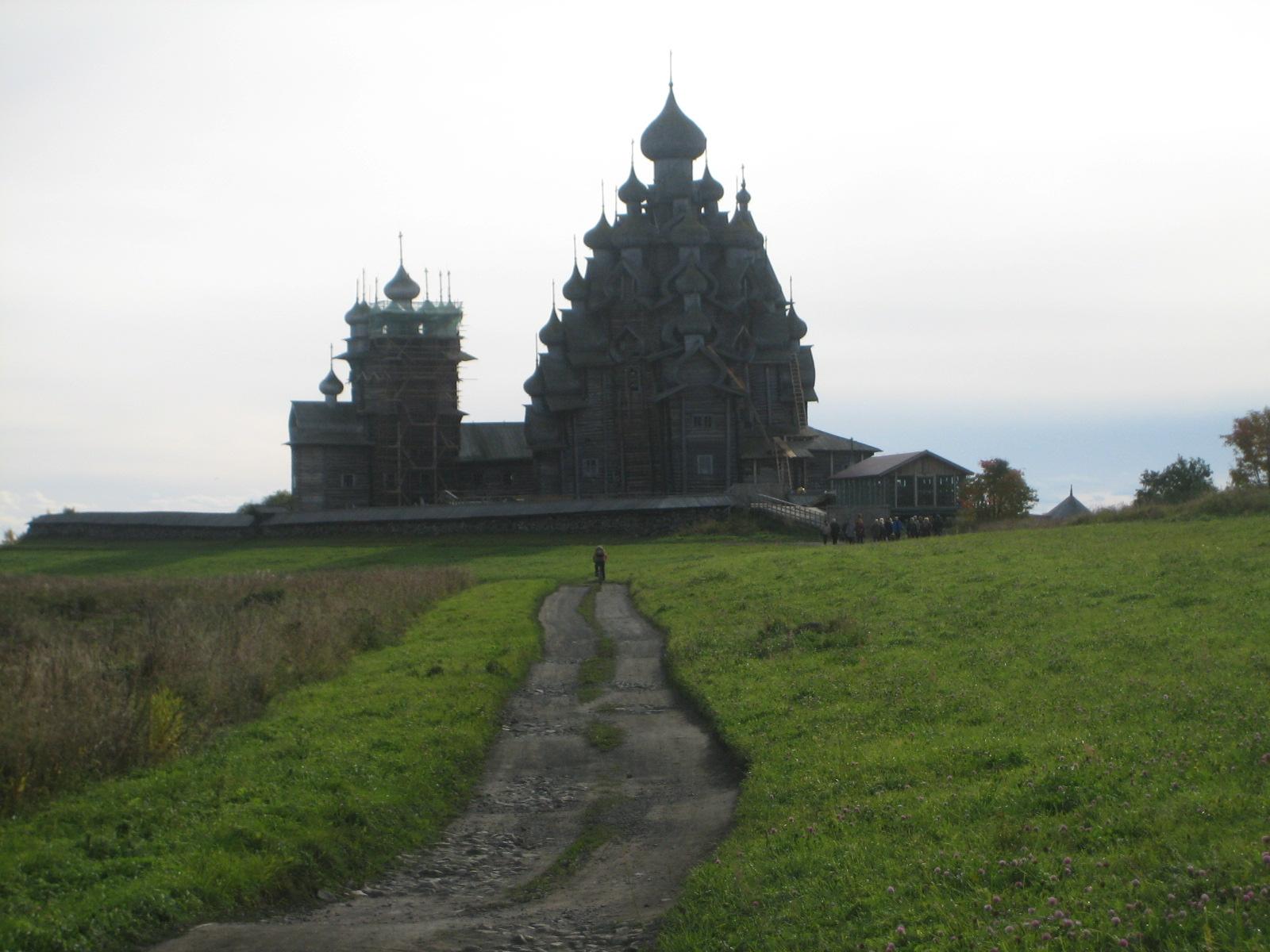 キジー島木造寺院