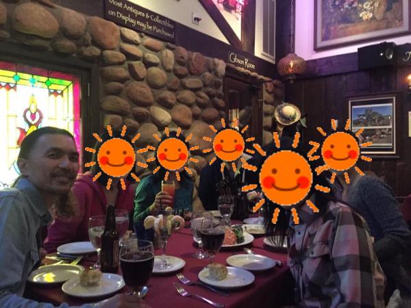 『『レリックス(Relics Restaurant-Dinner)』食事風景画像