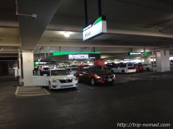 『フェニックス空港・レンタカーセンター(Rental Car Center)』エンタープライズ(Enterprise)画像