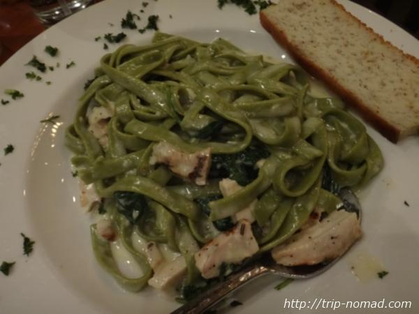 『ピカソピザ(Picazzos Organic Italian Kitchen)』ほうれん草のフィットチーネ(Bianca)画像