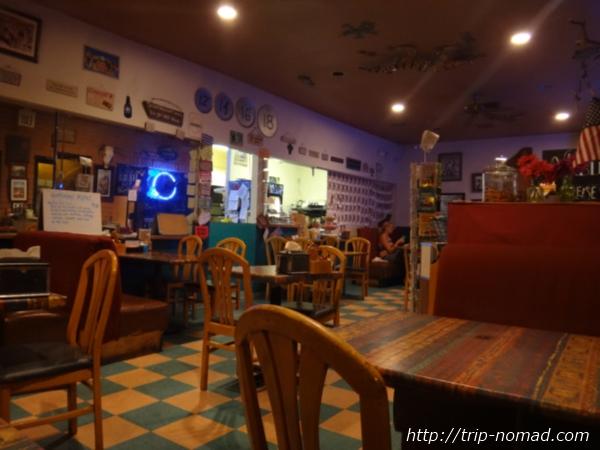 『ブルームーン・カフェ(Blue Moon Cafe)』店内画像