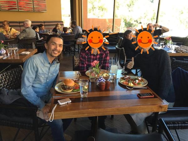 『TII GAVO(ティー ガボ)』食事風景画像