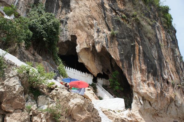 【ラオス】ルアンパバーンの秘境『パークウー洞窟』で4000体の仏像と対面してきた!
