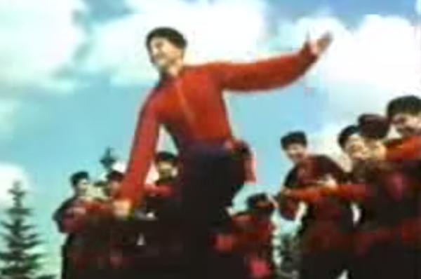 【ロシア】これが本当の伝統的『コサックダンス』だ!動画で見てみよう!