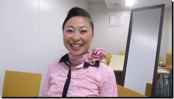 【ANA】CAさん流の『3分でできる夜会巻きのやり方』が公開!【動画あり】
