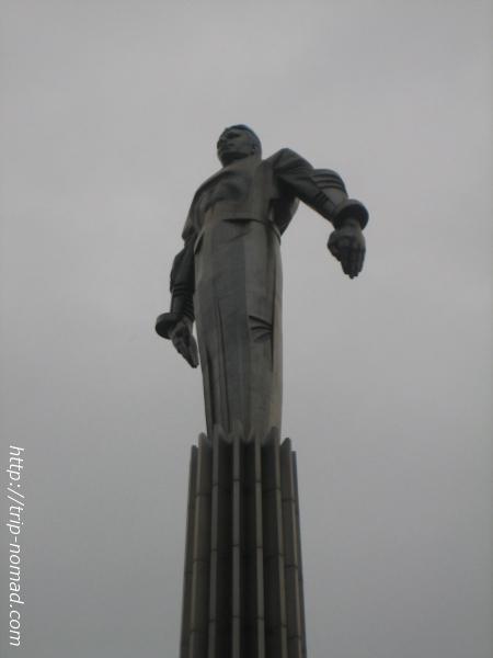 【ロシア】モスクワの『ガガーリンの銅像』がいかにもソビエトらしくぶっ飛んでいてヤバイ